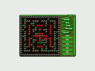 Einfaches Spiel. Mit einer Schlange fressen Sie sich durch ein Labyrinth