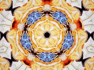 Bildschirmschoner der ein Kaleidoskop mit Ihren eigenen Bildern simuliert.