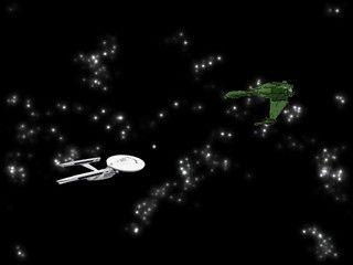 Die Enterprise jagt gegnerische Raumschiffe auf Ihrem Bildschirm.