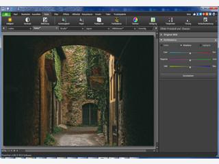 Software zur Erstellung von Collagen, Panoramabildern und Bildmanipulation.